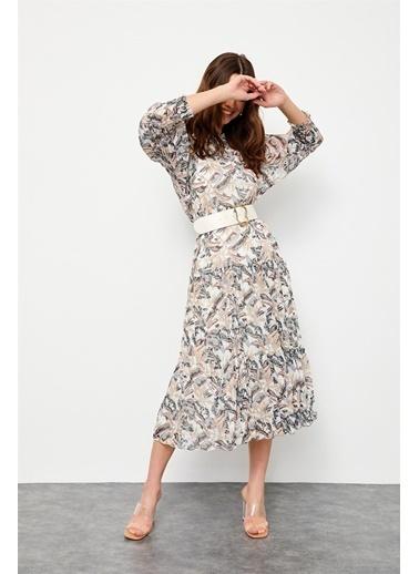 Setre Haki Piliseli Ve Kemerli Floral Desen Elbise Haki